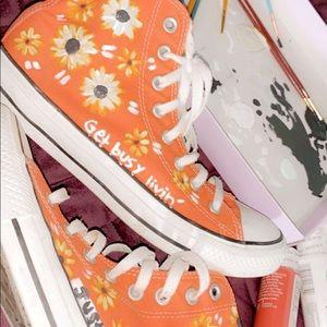 Orange converse, great condition